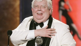 Richard Griffiths accepts his Tony award for his performance in the award winning History Boys