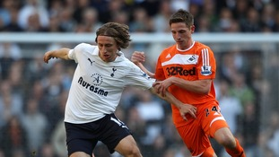 Joe Allen playing for Swansea