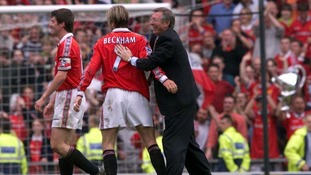 Ferguson congratulates David Beckham as Utd clinched the Premiership Title in 1999.