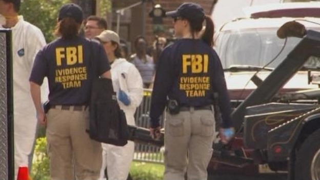 Fbi Agents In Action Fbi agents outside the homeReal Fbi Agent