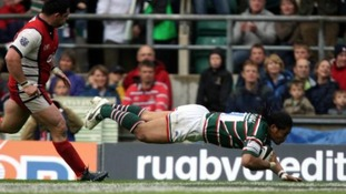 Leicester Tigers' Alesana Tuilagi dives over to score a try