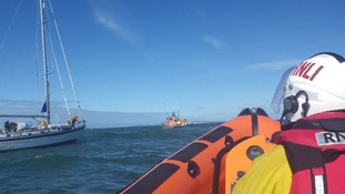 Stranded yacht and RNLI crews