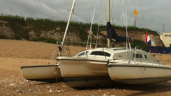 Trimaran stuck on Joss Bay