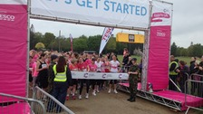 Thousands turn out for Race for Life 2013