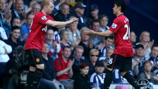 Manchester United's Paul Scholes makes his final appearance for the club, replacing teammate Shinji Kagawa.