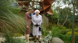 Queen visits Chelsea Flower Show
