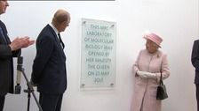 The Queen opens new buidling