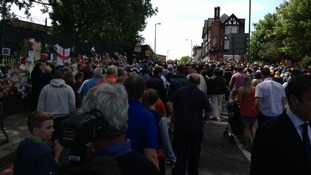 Hundreds pay their respect near the place where Drummer Lee Rigby was killed