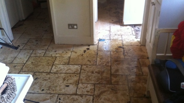 House damaged by burst pipe in Queniborough & House damaged by burst pipe in Queniborough | Central - ITV News