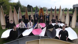 Class 16 year olds build boats