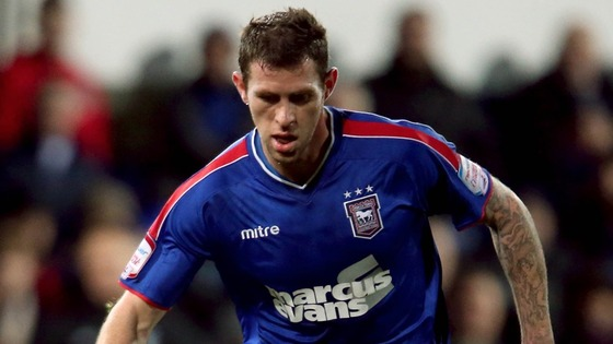 Daryl Murphy signs for Ipswich Town from Celtic