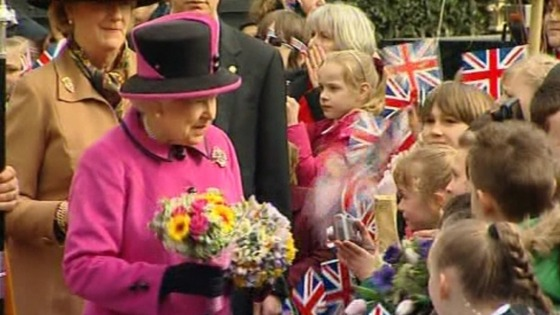 The Queen greeting children in Leicester