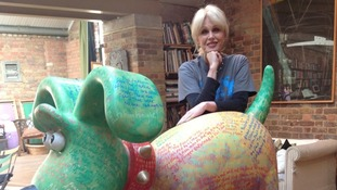 Joanna Lumley and Gromit