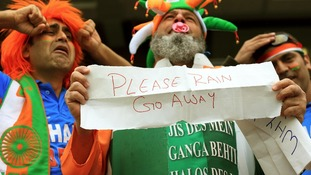 India fans appeal to the weather as play is delayed