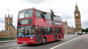 Dynamo 'levitates' next to a bus in London