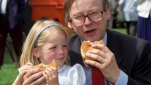 John Gummer and his four-year-old daughter Cordelia tuck into burgers in that infamous 1990 photograph