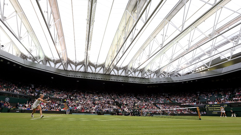 Roof Closed On Centre Court At Wimbledon Due To Rain Itv