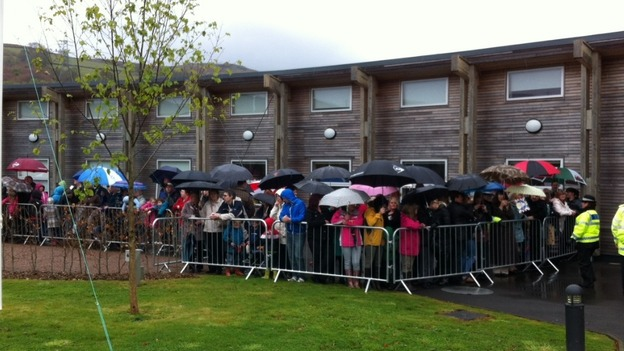 Crowds waiting for the Queen in Aberfan