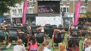 Big screens in London showing Andy Murray's Wimbledon final