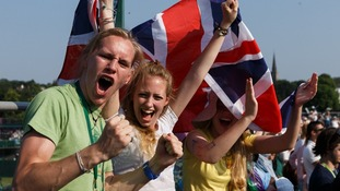 Andy Murray fans celebrate his historic victory