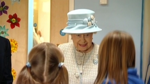 The Queen talking to schoolchildren