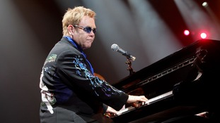 Sir Elton John to perform at iTunes festival