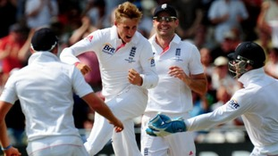 Joe Root celebrates the wicket of Ed Cowan