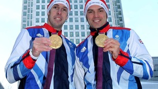 Etienne Stott  and Tim Baillie with their Olympic medals