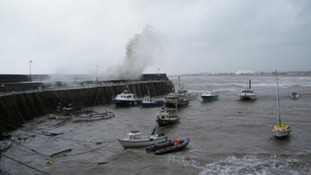 Strong winds at Minehead harbour