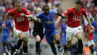 Michael Carrick and Nemanja Vidic chase down Jermaine Defoe at Wembley in 2008
