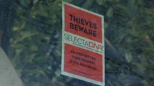 Thieves sign