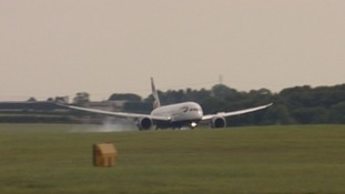 Dreamliner landing at Newcastle Airport