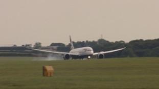 Dreamliner landing at Newcastle Airport