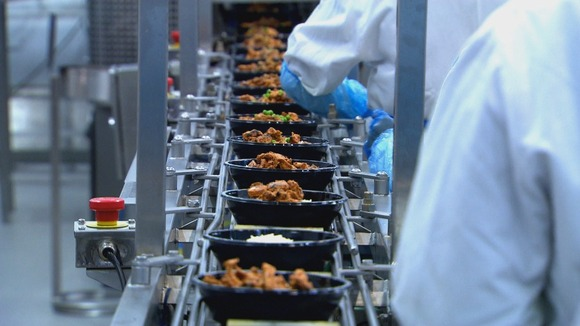Ready meals along production line