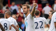 Tottenham Hotspur's Roberto Soldado acknowledges the fans after the game