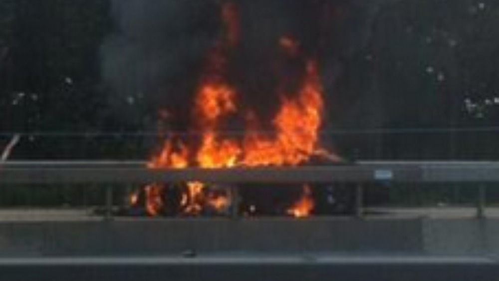 Lamborghini On Fire Closes Three Lanes Of M25 Meridian