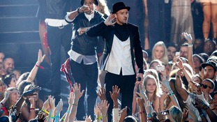 Timberlake sweeps MTV awards