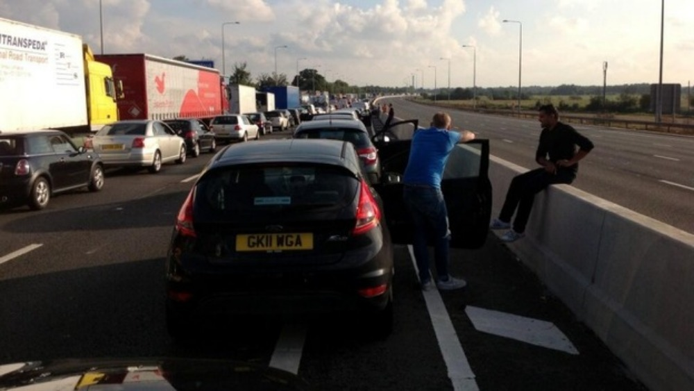 Dartford Crossing Traffic Update >> Traffic chaos after security alert shuts part of M25 - ITV News