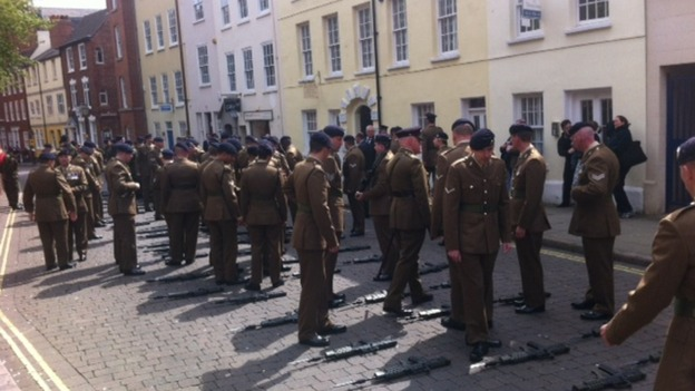 Soldiers prepare for parade through Nottingham
