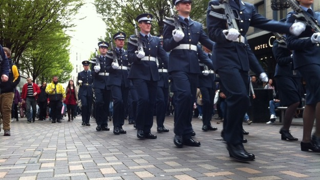 Soldiers given Freedom of Nottingham march through city centre