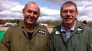 Falklands veterans Bob Tuxford and Mike Beer who flew in refuelling Victor tanker on first bombing run by Vulcan