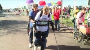 Claire Lomas completes 'robotic suit' marathon