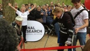 Claire Lomas completes marathon