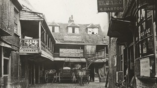 The Old Tabard Inn, Southwark, c1900