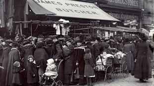 Market Stalls in Hoxton Street, Shoreditch, c1910