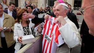 Pope Francis with his new Sunderland shirt