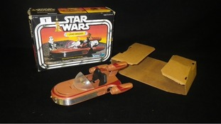 The Star Wars Landspeeder, with its original packaging, will be sold today.