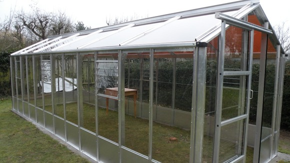 Photovoltaic greenhouse