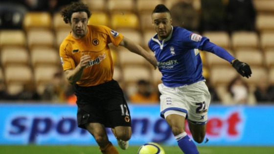 Stephen Hunt competes for the ball alongside former Birmingham City winger Nathan Redmond, now at rivals Norwich City.