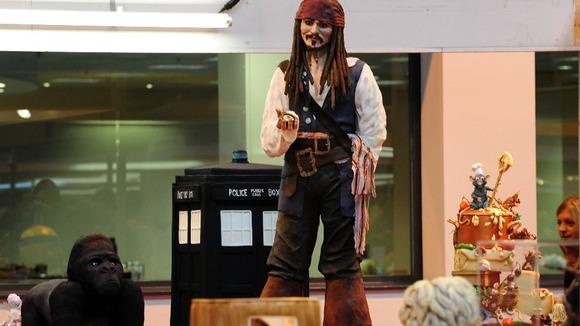 Johnny Depp fan bakes ...